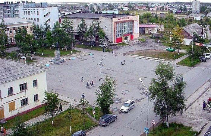 площадь в поселке