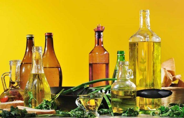 бутылки с продуктами