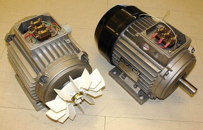 два мотора