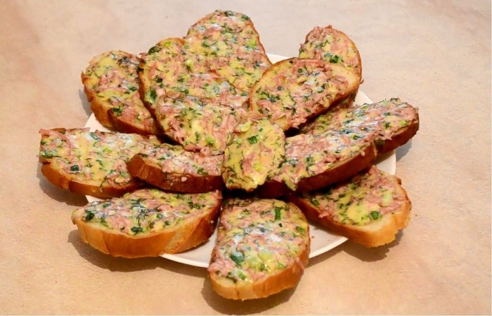 хлеб с компонентами